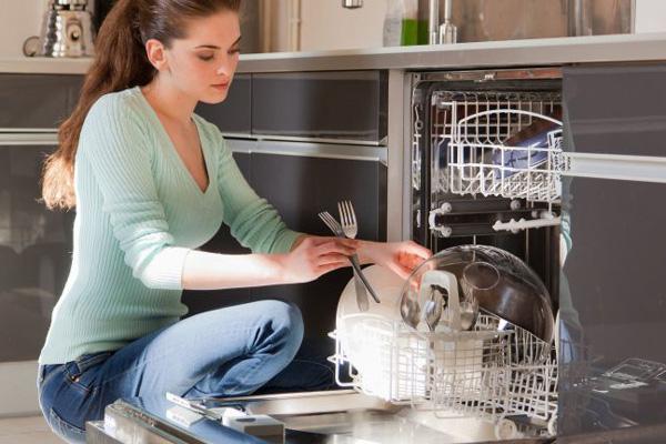 آموزش تمیز کردن ماشین ظرفشویی